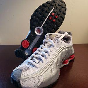 Nike Shox r4 White Metallic Silver Sz 4.5M, 6W